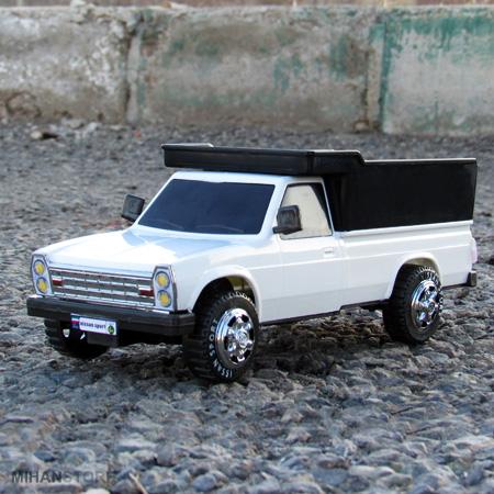 ماکت نیسان زامیاد Nissan Zamyad Toy در سه رنگ آبی ، قرمز و سفید